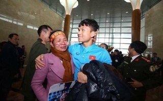 """Bóng đá Việt Nam - Nghệ An """"mở tiệc"""" và tặng bằng khen cho các cầu thủ tham gia U23 Việt Nam"""