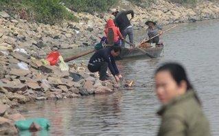 Văn hoá - Dân bất lực nhìn 'phương tiện' của ông Táo bị bắt ngay trước mắt