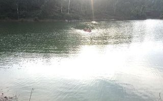 Tin nhanh - Kiệt sức khi bơi qua hồ nước, nam sinh 16 tuổi đuối nước mất tích