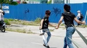 An ninh - Hình sự - Bắc Giang: Điều tra nhóm côn đồ truy sát nam thanh niên tại quán Karaoke