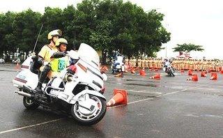 Xã hội - Huấn luyện cảnh sát giao thông dẫn đoàn APEC