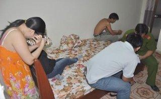 An ninh - Hình sự - Cặp đôi mua bán dâm bị bắt khi đang 'hành lạc'