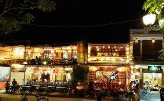 Văn hoá - Nhà hàng, quán bar tại phố cổ Hội An hoạt động phức tạp