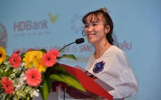 Tài chính - Ngân hàng - HDBank chia cổ tức khủng, vợ chồng tỷ phú Phương Thảo thu 220 tỷ đồng