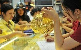 Tài chính - Ngân hàng - Giá vàng hôm nay 18/4: Vàng bất động, dân đầu cơ chờ thời