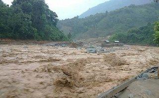 Xã hội - Báo động mức độ nguy hiểm của các hồ chứa trước tình hình mưa lũ sau bão số 12