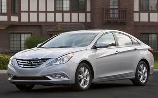 Hàng loạt xe Kia và Hyundai không bung túi khí khi va chạm