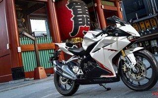 """Honda CBR250RR 2018 bổ sung thêm phiên bản màu trắng """"ngọc trai"""""""