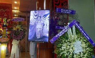 Ngôi sao - Những hình ảnh nghẹn ngào trong tang lễ của NSƯT Ngọc Hương