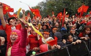 Cộng đồng mạng - Ảnh: Niềm sung sướng tột độ khi Quang Hải sút tung lưới đối phương