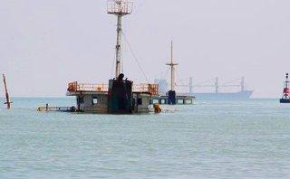 Xã hội - 10.000 lít dầu trên tàu hàng bị chìm 'bốc hơi' bí ẩn