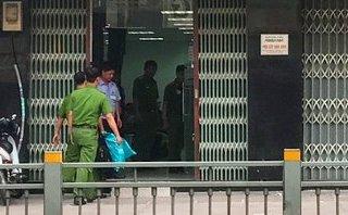 An ninh - Hình sự - Nghi án hai thanh niên liều lĩnh dùng súng cướp ngân hàng ở TP.HCM