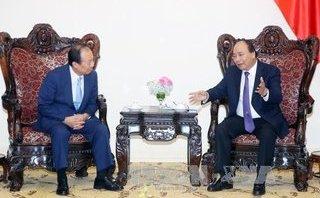 Chính trị - Xã hội - Thủ tướng Nguyễn Xuân Phúc tiếp Tổng Giám đốc công ty điện tử Samsung, Hàn Quốc