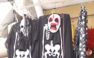 Dân sinh - Sôi động thị trường đồ hóa trang Halloween