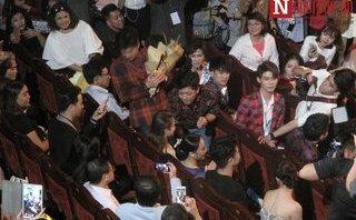 Ngôi sao - Trường Giang cầu hôn Nhã Phương tại lễ trao giải Mai vàng 2017