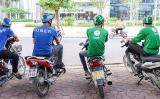 Tiêu dùng & Dư luận - Cử nhân kinh tế chạy xe ôm, lương 5 triệu/tháng