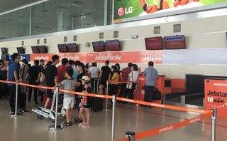 Tiêu dùng & Dư luận - Ngán ngẩm giảm chuyến bay, giá vé tăng như… Tết