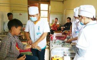 Chính trị - Xã hội - Bánh dày gây ngộ độc tập thể ở Lào Cai