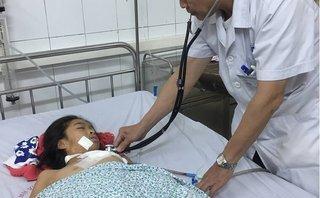 Các bệnh - Cấp cứu thành công bé gái 11 tuổi bị mảnh kính rơi thấu ngực trái