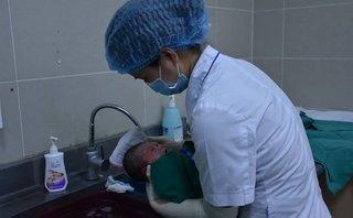 Các bệnh - Khi nhiệt độ xuống thấp có nên tắm cho trẻ sơ sinh?