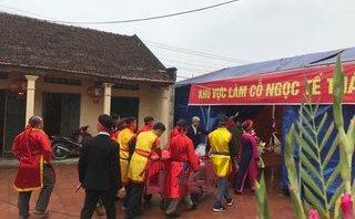 """Không máu chảy, 2 """"ông ỉn"""" ở Bắc Ninh được """"xử kín"""" tại lễ hội """"chém lợn"""""""
