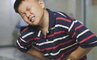 Thói quen ăn uống thất thường khiến nhiều người trẻ thủng dạ dày