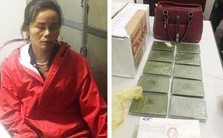 Pháp luật - Lào Cai: Bắt quả tang 'nữ quái' ôm 10 bánh heroin