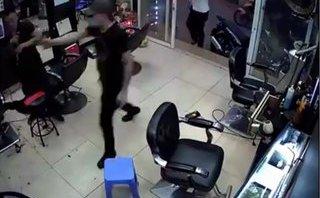 Hà Nội: Lời khai rợn người của gã giang hồ nổ súng trong tiệm cắt tóc