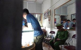 An ninh - Hình sự - Người dân chứng kiến kể lại vụ cướp tiệm vàng táo tợn trong đêm