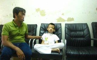 Chính trị - Xã hội - TP.HCM: Cứu sống bé trai 5 tuổi té từ lầu 1 xuống hàng rào sắt nhọn