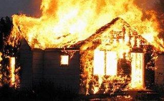 Tin nhanh - Lâm Đồng: Cháy nhà gỗ, 3 cha con tử vong thương tâm