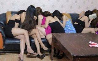 An ninh - Hình sự - Khởi tố Giám đốc khách sạn 4 sao chứa gái mại dâm ở Nha Trang