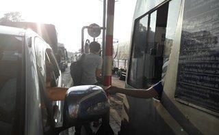 Chính trị - Xã hội - Tài xế dùng tiền lẻ trả phí: BOT tuyến tránh Biên Hòa xả trạm