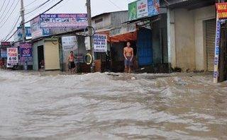 Chính trị - Xã hội - Ảnh hưởng bão số 10, đường phố TP.Biên Hòa biến thành sông