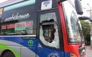 Pháp luật - Bắt hai đối tượng đánh phụ xế và đập phá xe khách ở Đồng Nai