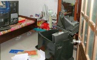 An ninh - Hình sự - Truy tìm kẻ đục tường nhà, cuỗm két sắt chứa gần 100 triệu đồng