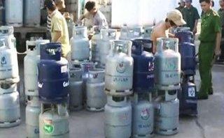 Tin nhanh - Phát hiện cơ sở cho công nhân sang chiết gas trái phép
