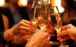 Các bệnh - Cách phòng tránh ngộ độc rượu, bia ngày Tết