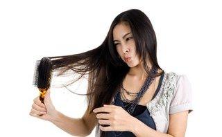 Tư vấn - Mách chị em 5 cách trị rụng tóc sau sinh tốt nhất