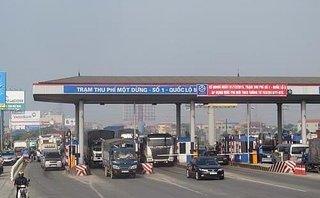 Xã hội - Cắm biển 'Cấm dừng xe quá 5 phút' tại các trạm thu phí BOT