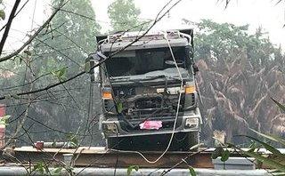 Xã hội - Vụ sập cầu Long Kiển: Trục vớt thành công xe tải gây sự cố
