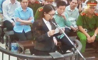 """Video - Clip: Thư ký """"lột xác"""" thành Chủ tịch HĐQT khóc xin hưởng án treo"""