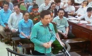 Hồ sơ điều tra - Bạn cùng buồng giam hỏi Hà Văn Thắm 5 câu hỏi gì?