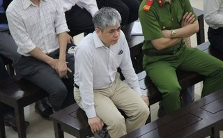 Hồ sơ điều tra - Vợ bị cáo Nguyễn Xuân Sơn nói gì khi được một doanh nhân giúp đỡ 32 tỷ đồng?
