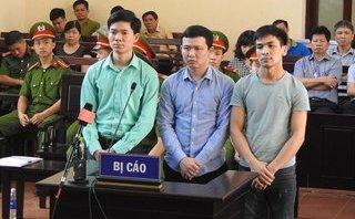 """Hồ sơ điều tra - Xét xử vụ chạy thận làm 8 người chết ở Hòa Bình: 'Nóng' tranh luận về """"lời khai sinh đôi"""""""