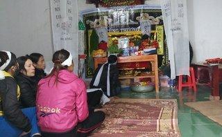 Xã hội - Thanh Hóa: Tang thương phủ kín vùng quê, nơi 8 ngư dân bị sóng đánh chìm