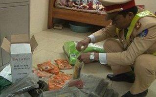 Hồ sơ điều tra - Bắt giữ tài xế taxi vận chuyển hàng trăm thỏi thuốc nổ trái phép