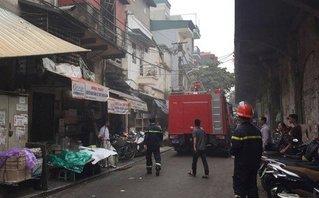 Tin nhanh - Hà Nội: Cháy nhà ở phố cổ, 2 người bị thương