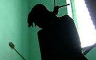 Tin nhanh - Hà Nội: Nam thanh niên treo cổ chết ở phòng trọ nữ sinh Nông nghiệp