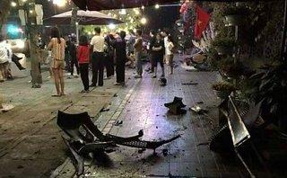 Tin nhanh - Thái Nguyên: Ô tô điên 'bay' lên vỉa hè, 6 người thương vong